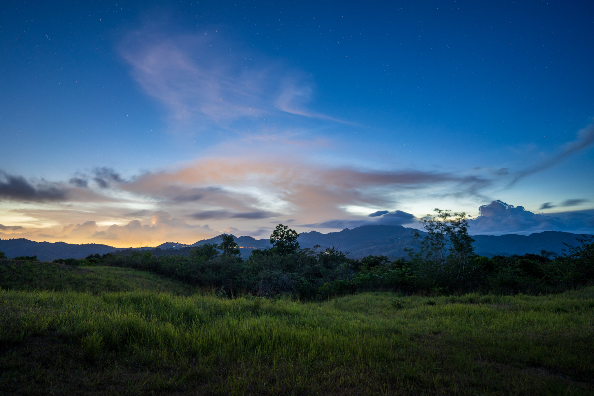 6 Ultra-Wide Angle Prime Lens Options for Sony Landscape Photographers 64