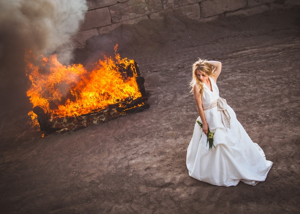photographer burns couch with a bride on it bringing