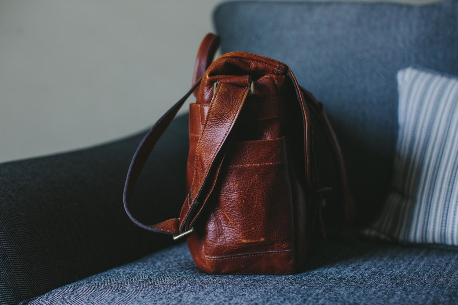 8cbe655b23935 The interior offers plenty of space for photographers' essentials and then  some. While the leather exterior will develop a rich character with time and  age, ...