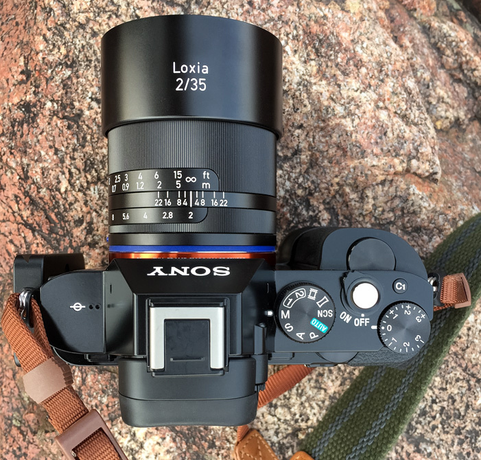 Fstoppers Reviews the Beautifully Crafted Zeiss Loxia 35mm f