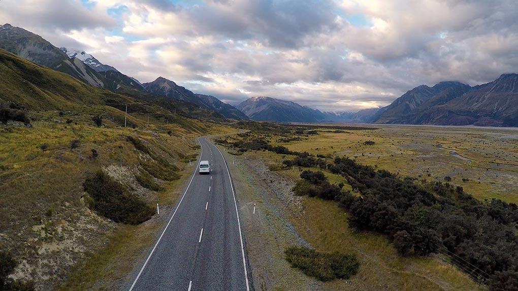 Landscape Photography & Post-processing tutorial - Elia Locardi - new zealand car follow