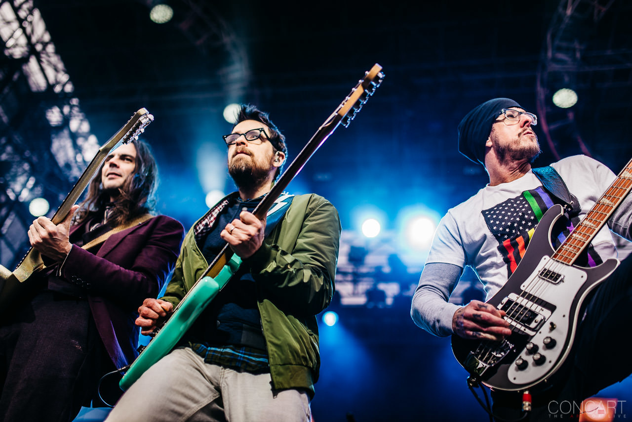 Photo of Weezer @ NCCA Final Four — Indianapolis, Indiana