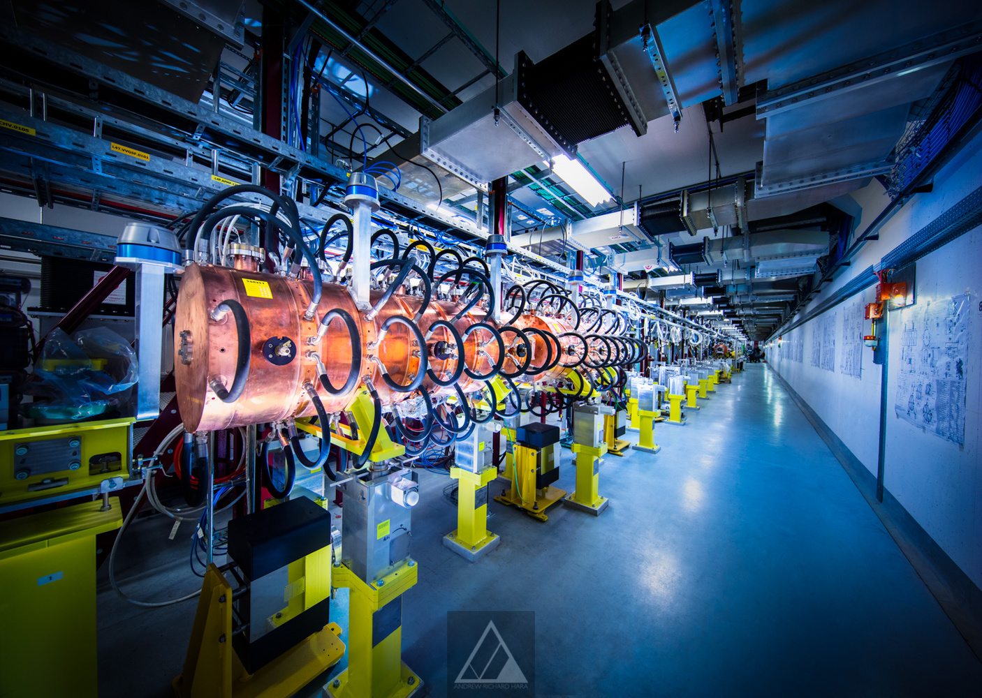 An accelerating structure in LINAC4 - Photo Andrew Hara