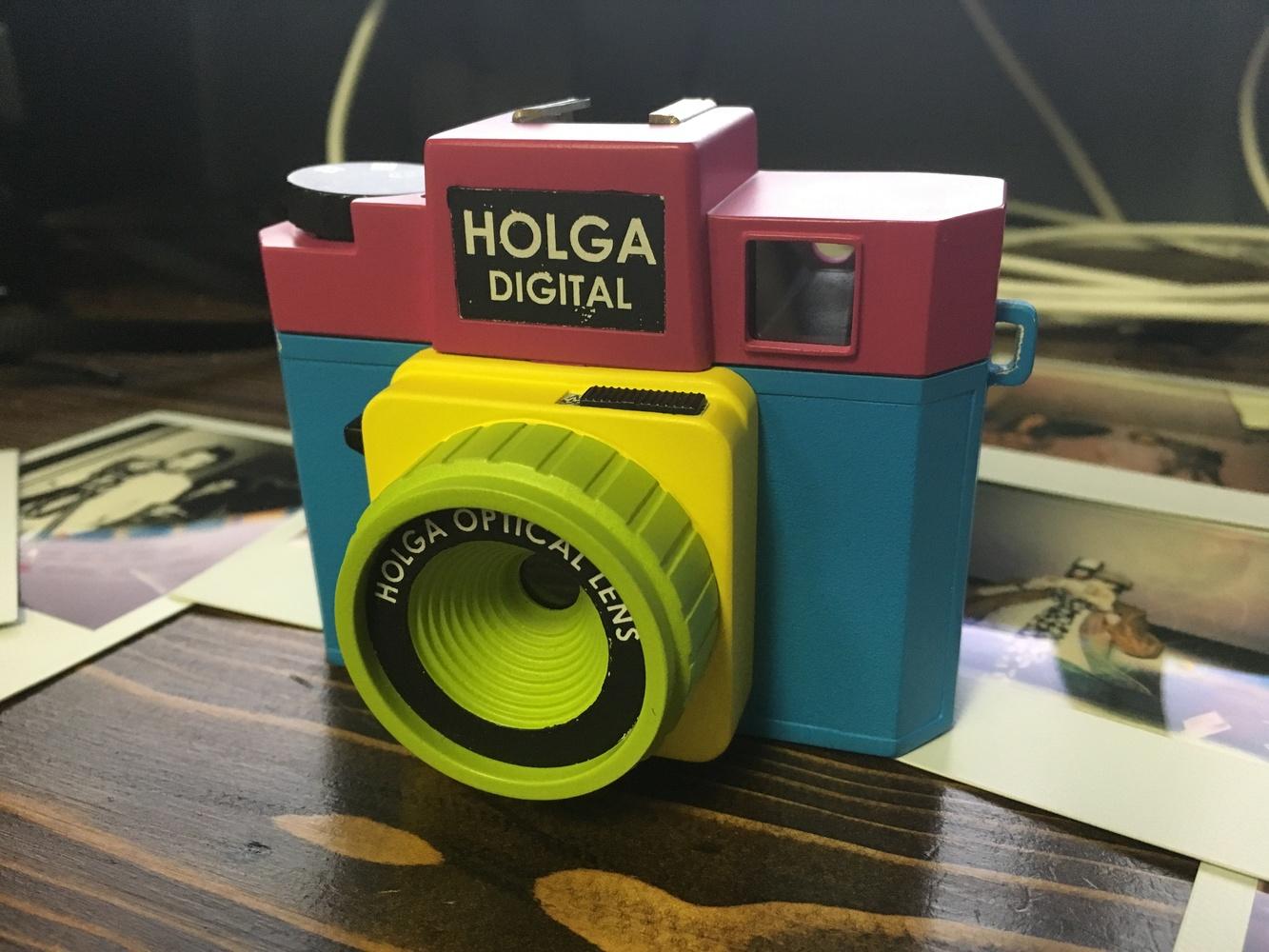 Polaroid Camera Urban Outfitters : Holga digital camera urban outfitters lomography holga d