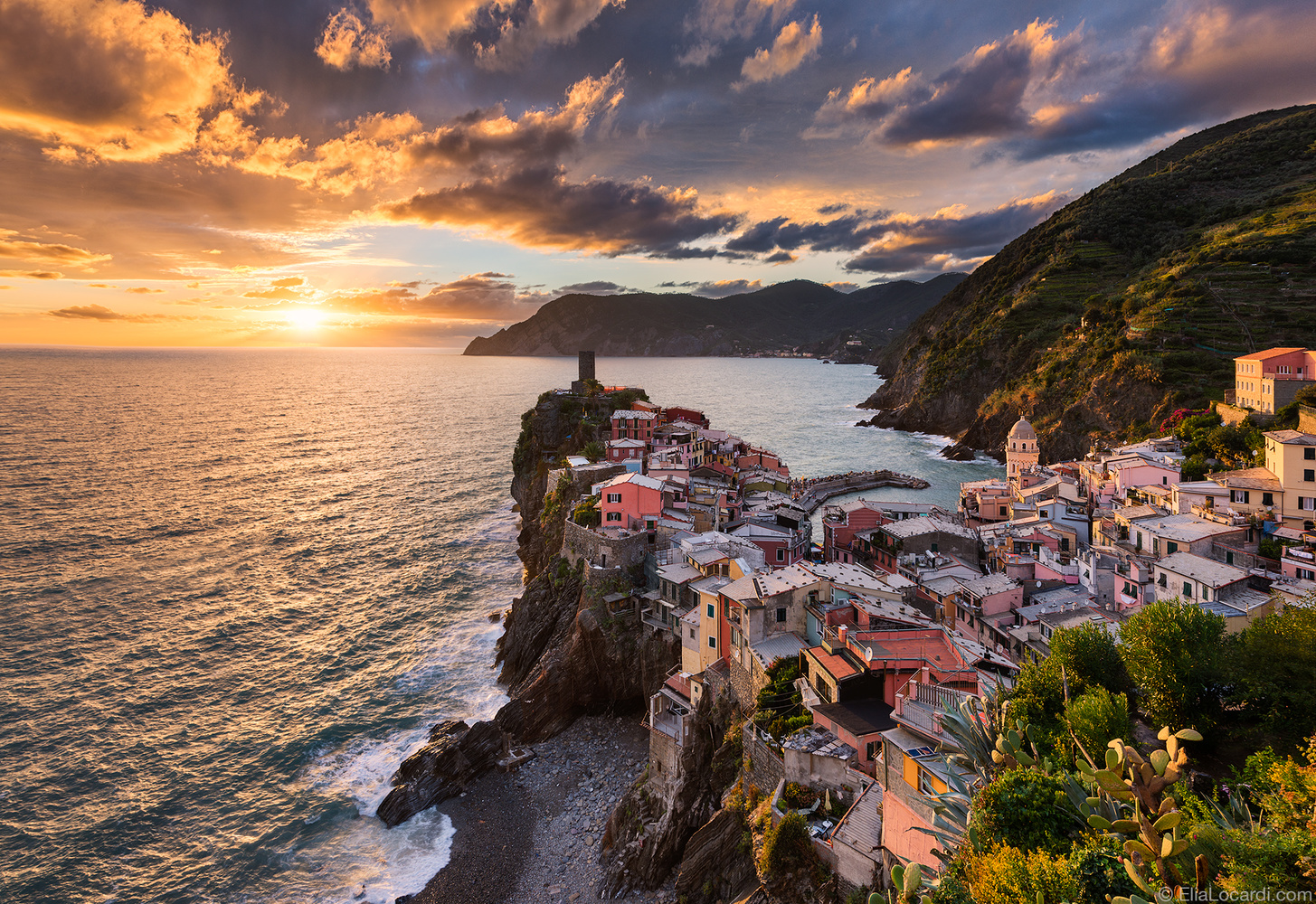 Song of the Sea - Vernazza Italy - Photography by Elia Locardi