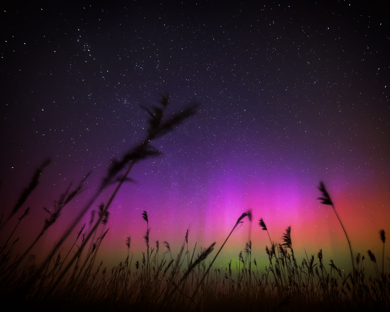northern lights night sky landscape