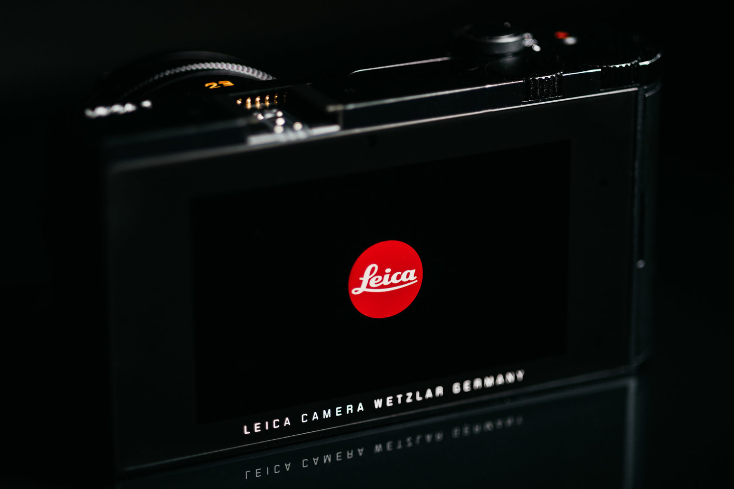 Photo of Leica T back screen