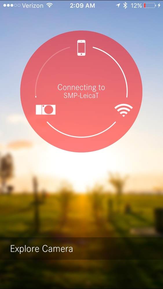 Screenshot of Leica T iPhone App connecting to camera.