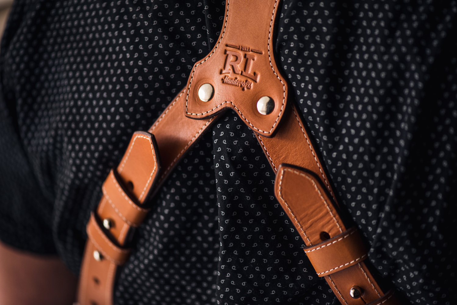 rl handcrafts clydesdale pro dlx dual camera strap review_8 fstoppers reviews the rl handcrafts clydesdale pro dlx dual camera dual camera harness at webbmarketing.co