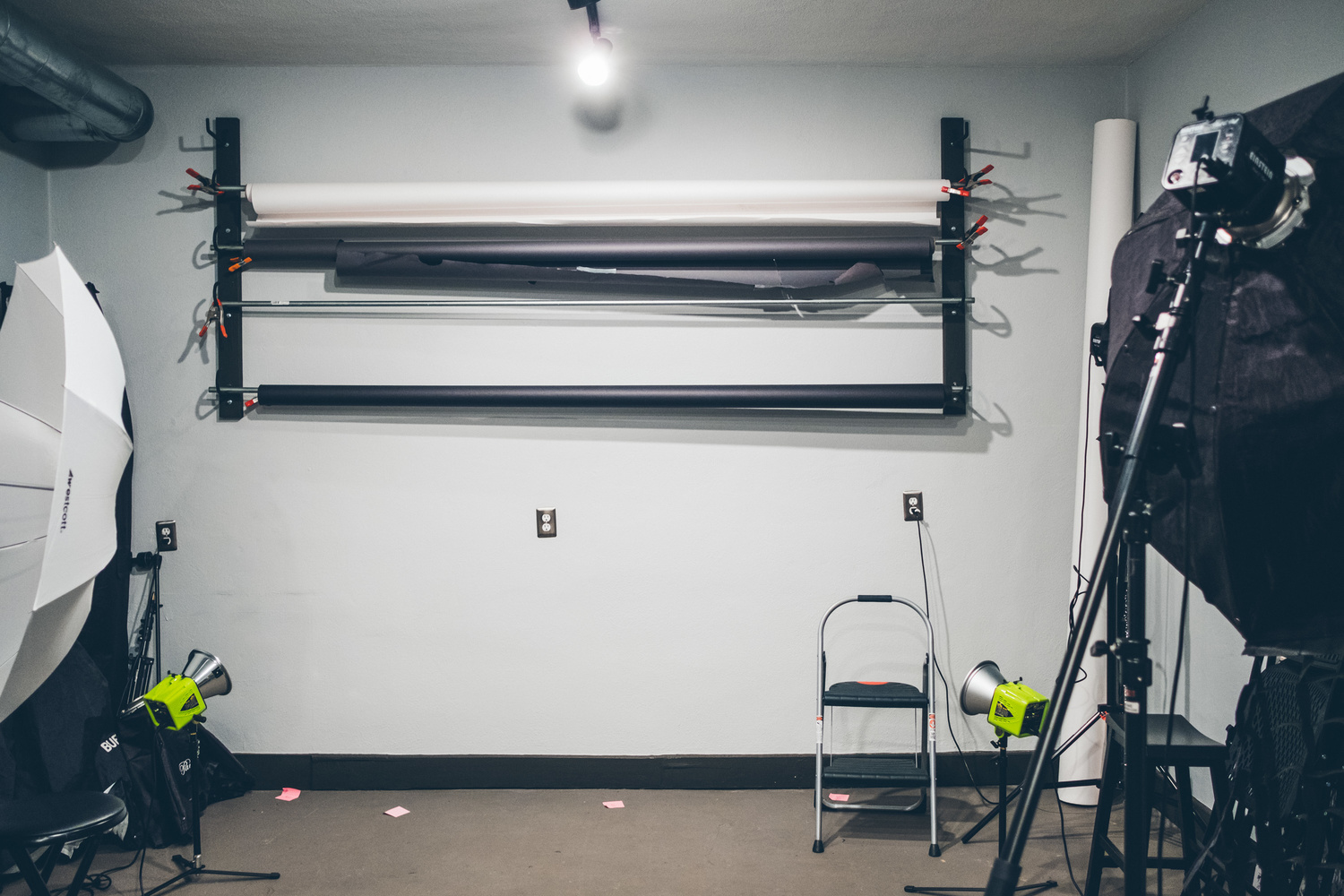 Diy Studio Seamless Paper Hanging System On The Cheap