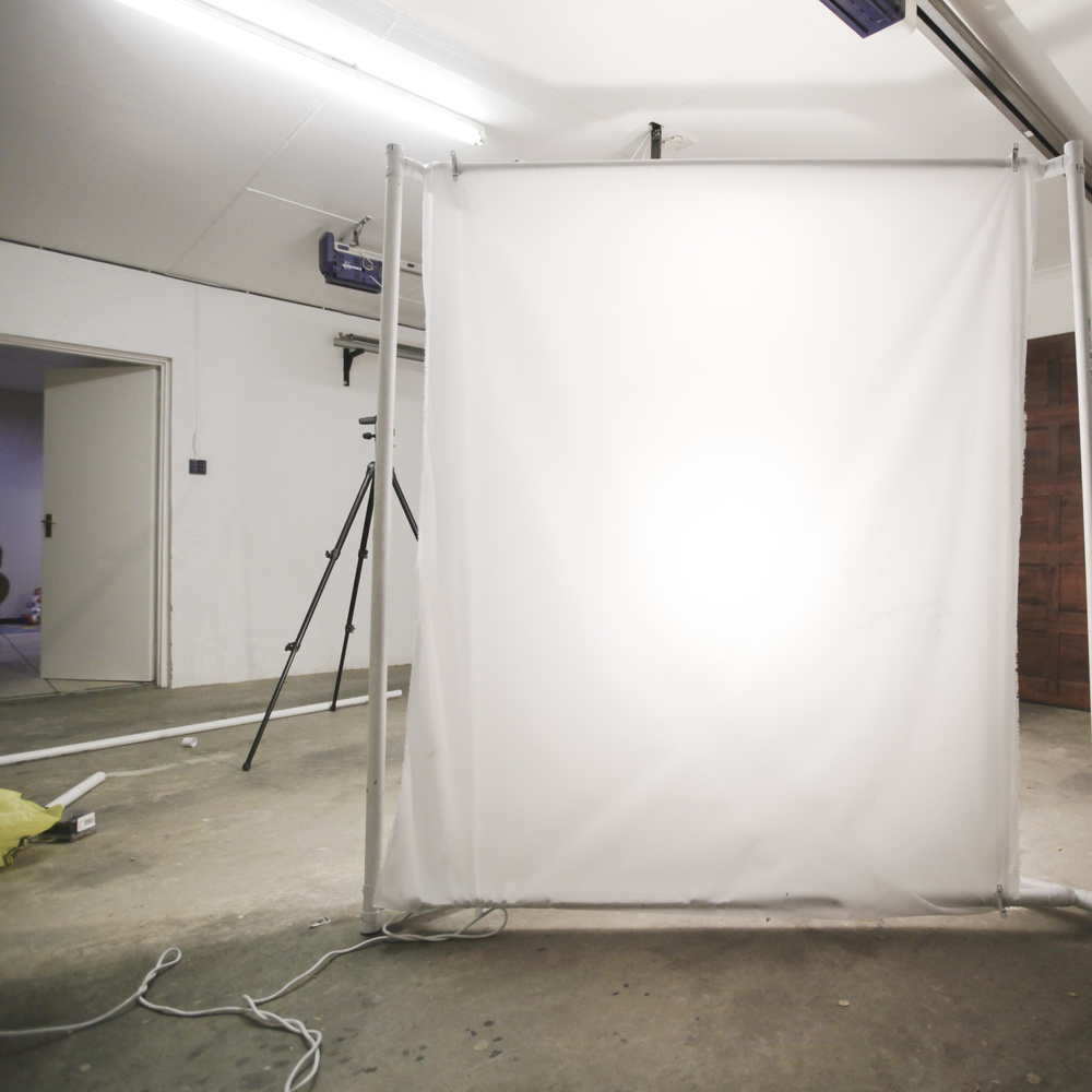 Instead Of Using A Regular Studio Light As Your Source You Can Use Strobes Or Take It Step Further And Attach An Led Panel At The Back