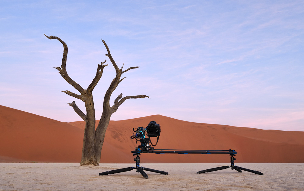 Motion slider setup with pan-and-tilt head. Image courtesy of Marsel van Oosten.