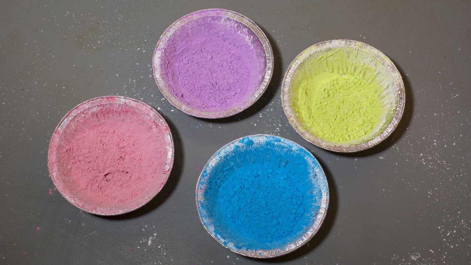 Make Your Own Colorful Powder for Photoshoots | Fstoppers