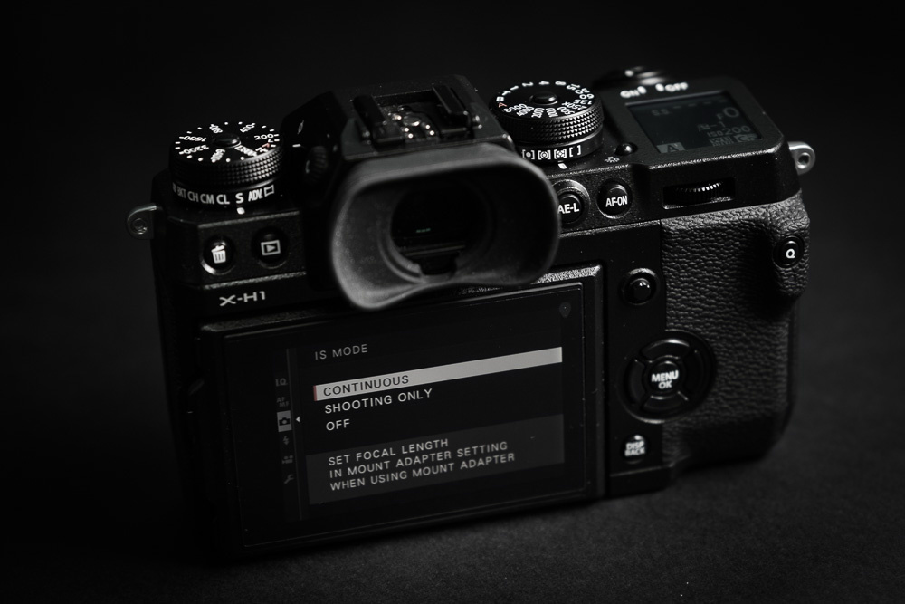 Fstoppers Reviews the Fujifilm X-H1 High-End Mirrorless