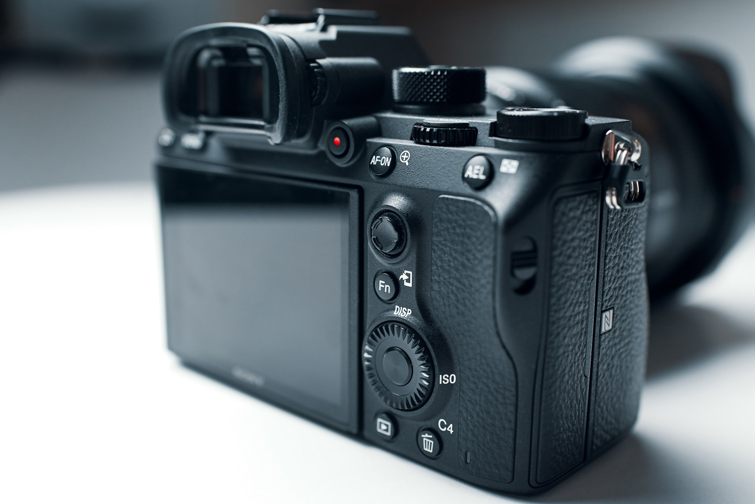 ff3c149953295 The Mirrorless Camera That Rivals the Pro DSLRs  Fstoppers Reviews ...