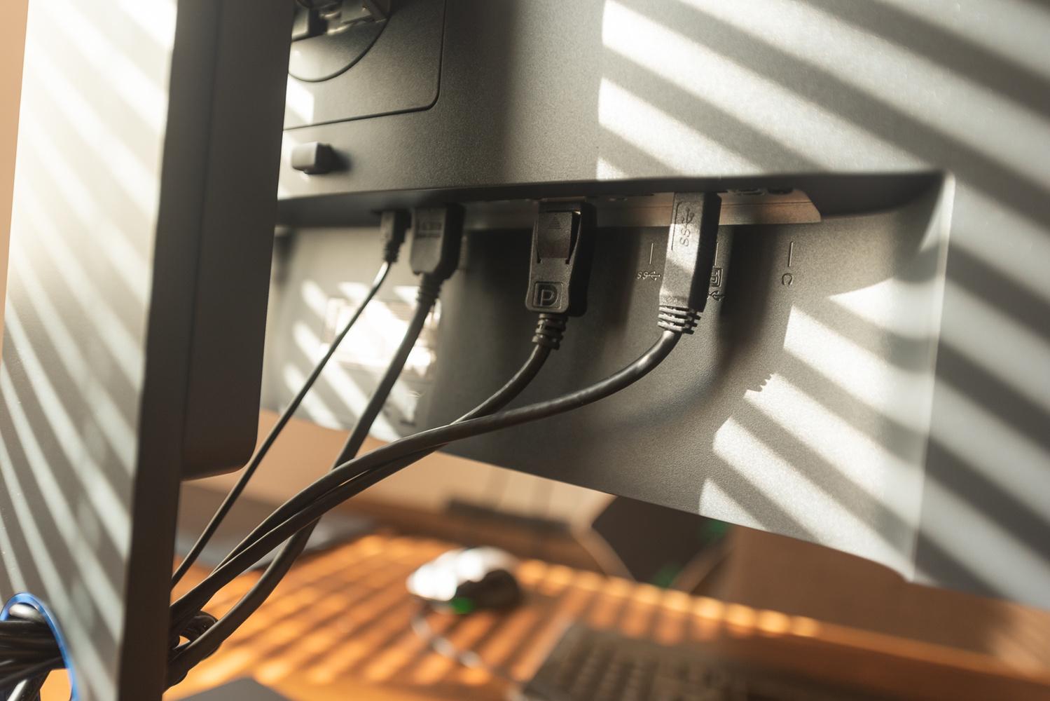 BenQ SW271 connectivity