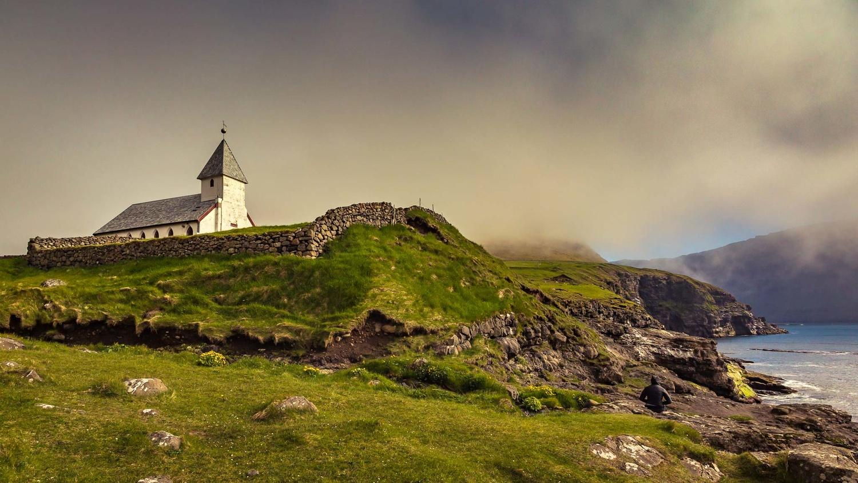 Viðareidis church