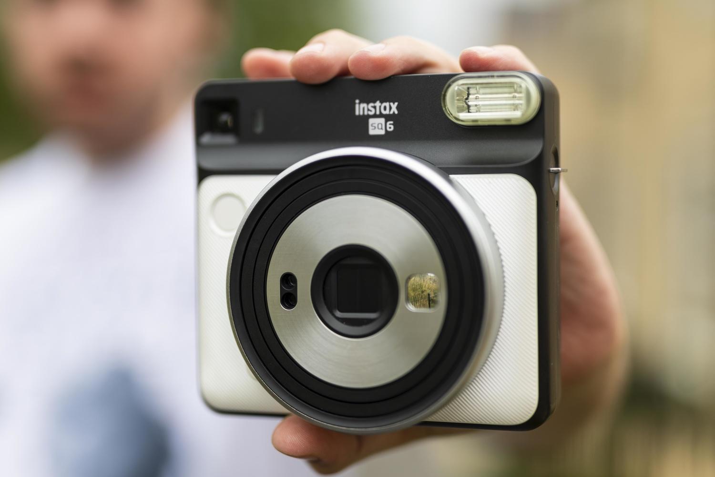 Fstoppers Reviews Fujifilm Instax Square SQ6 Camera: Medium