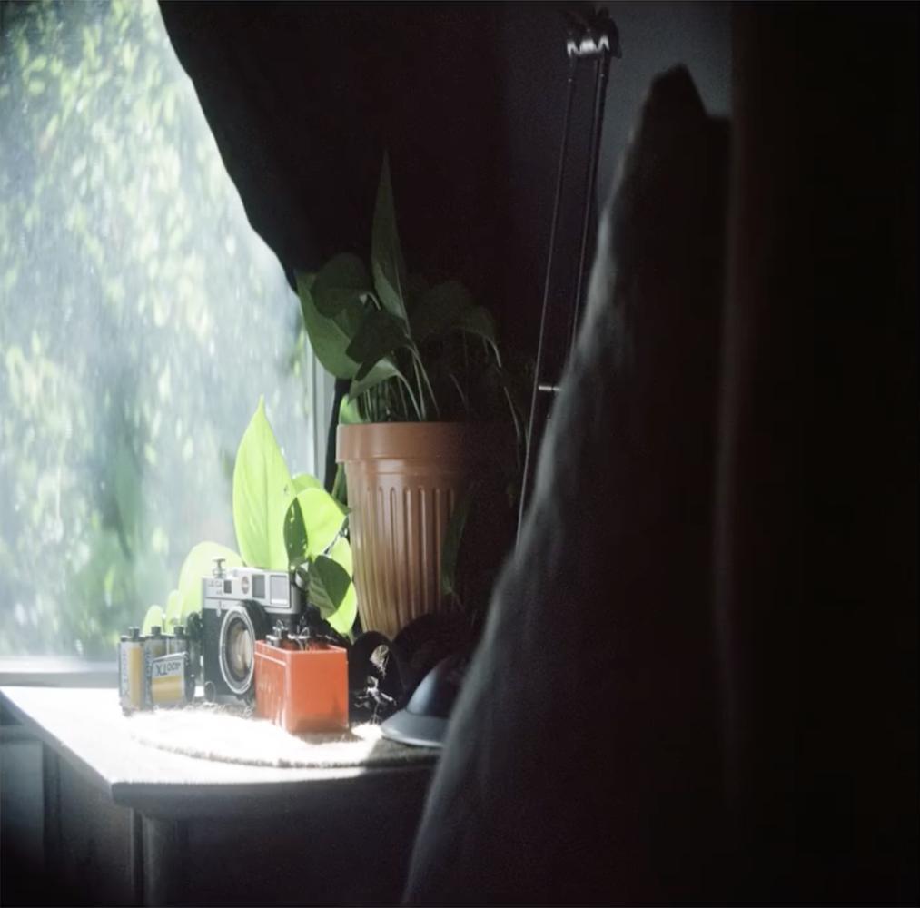 Photographer Modifies Film Hasselblad 500C/M Into a Medium