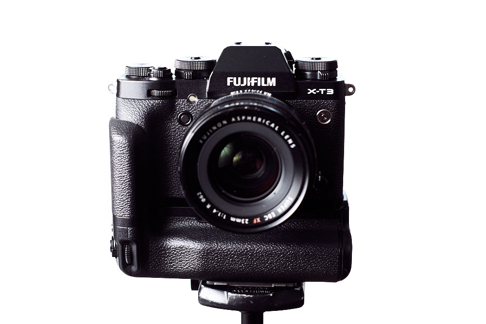 Fstoppers Reviews the Fujifilm X-T3 Vertical Grip: Do You