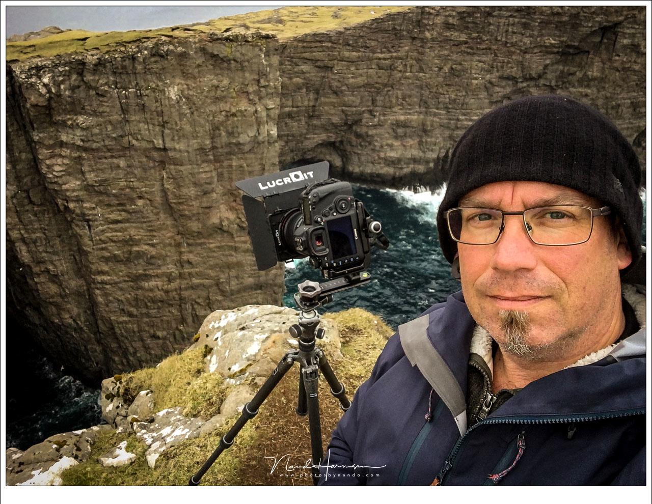 One of the rare selfies I made, while photographing an amazing landscape from tripod. It is my way of enjoying the surroundings and eventually take the photo I like. Or more than one, of course.