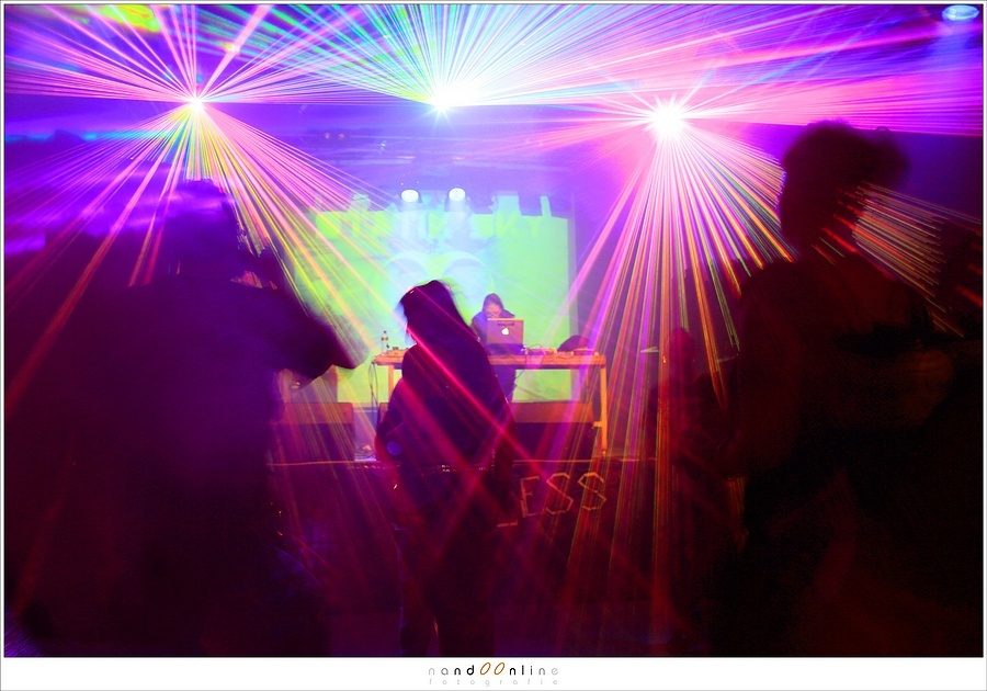 DJ Static Sky used a lot of lasers in 2014 and I tried some experiments with longer exposures, unaware of the risks involved (EOS 5D mark III + EF35L | ISO400 | f/5.6 | 0,6sec)