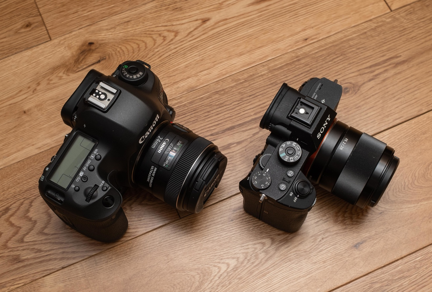 Mirrorless Still Has a Significant Weight Advantage Over