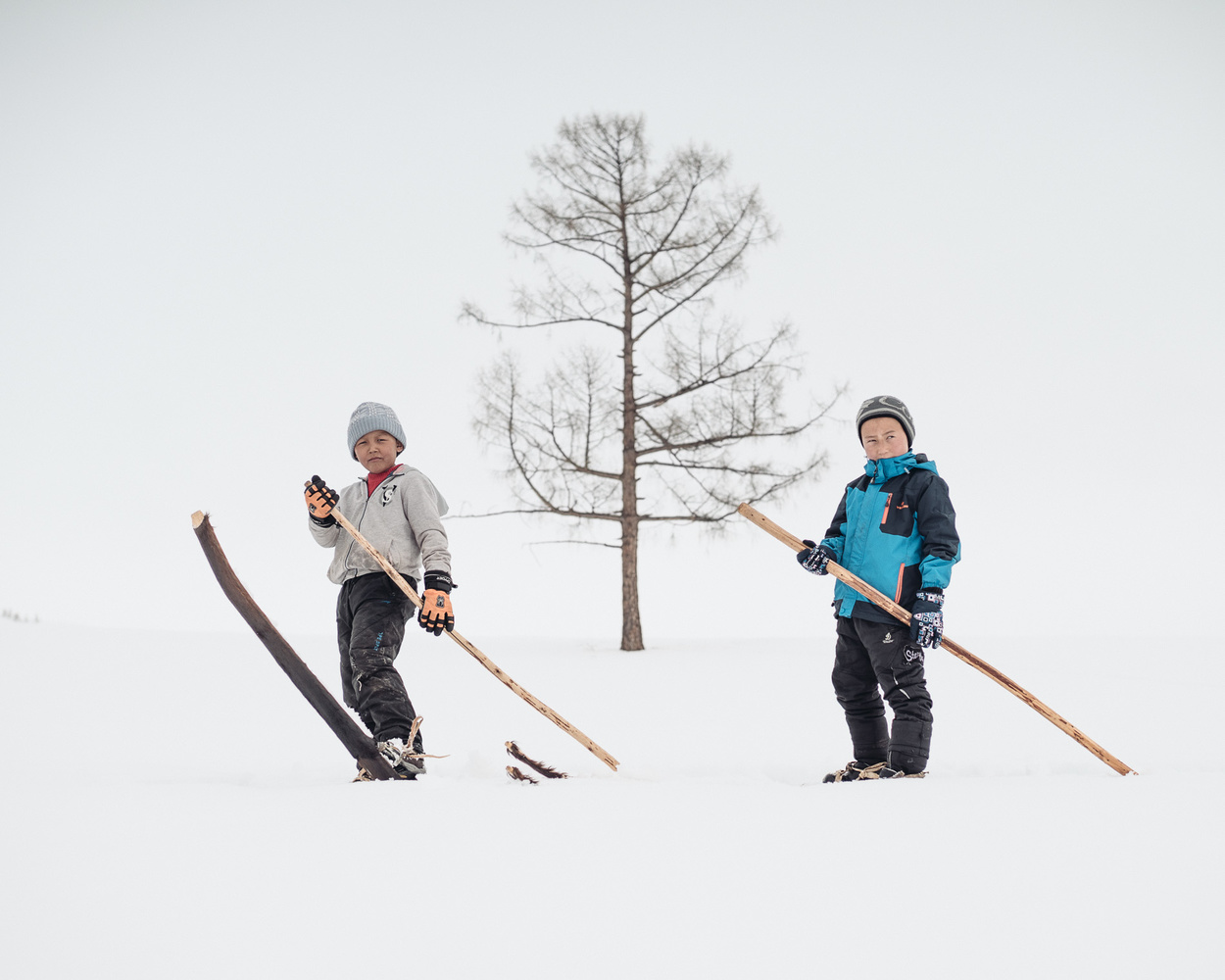 native-chinese-skiers-jordan-manley-photograph