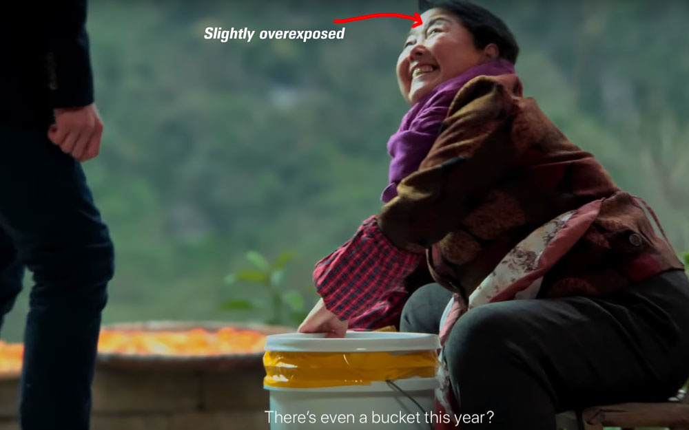 "Signs that show us it footage looks ""digital"""