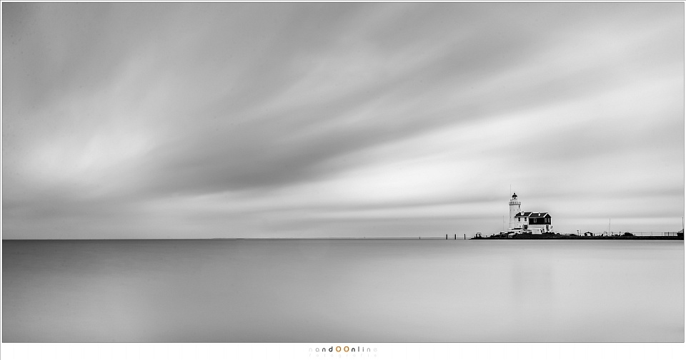 The Lighthouse 'Paard van Marken' in the Netherlands. Really long exposure times are perfect for a minimalistic approach. (Canon EOS 1Dx + EF24-70L @ 24mm | ISO100 | f/11 | 121sec with Big Stopper)