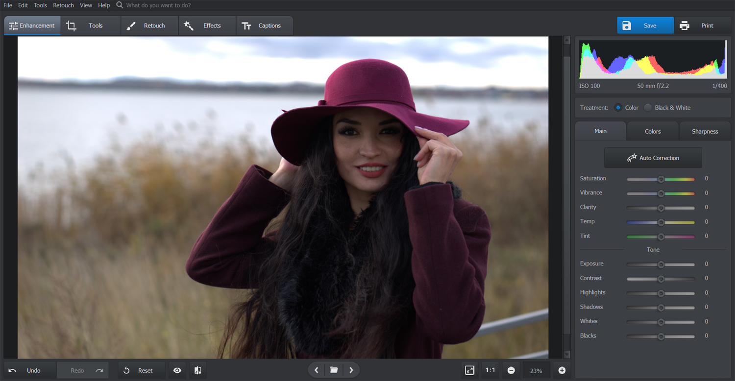 Automatic Photo Editor PhotoWorks: A Refreshing Change in