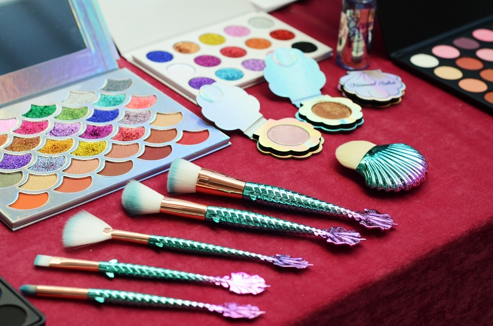 Makeup brushes and palettes