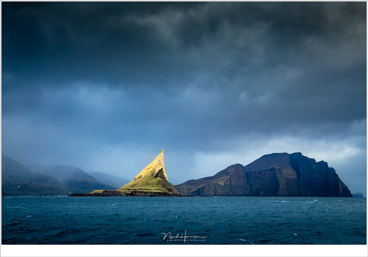 You cannot predict everything, but you have to be ready. When I visited the Faroe Islands this year, the sunlight illuminated the famous mountain of Tintholmur for a few seconds. I was ready to capture this moment, that lasted for a few seconds. (EOS 5D4
