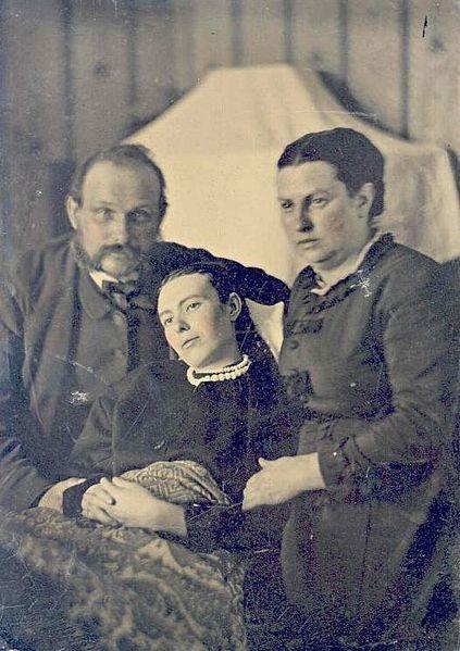 post mortem family portrait
