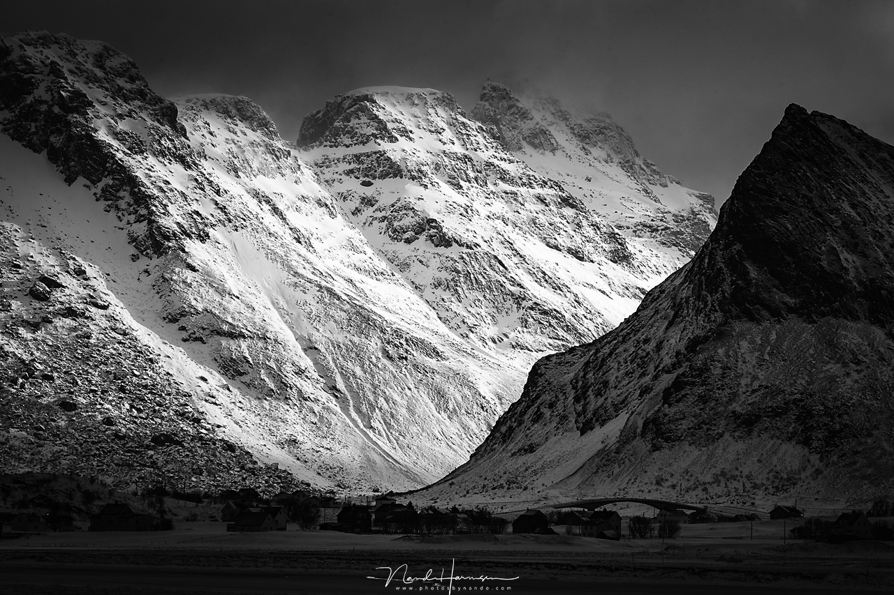 Some viewers called this photo Ansel Adams worthy. Although I would not dare to make the comparison myself, I do like the contrast in this photo I took at Lofoten some years ago, where the light was magnificent back then. (EOS 1Dx + 164mm | ISO200 | f/9 |