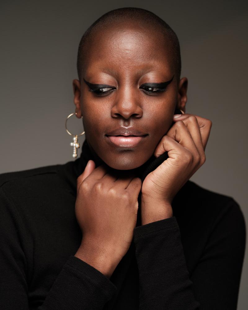 dark skinned portrait, woman, beauty