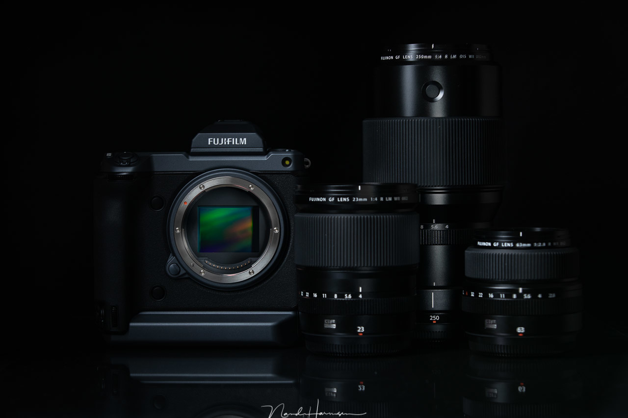 During this year's trip Winter at Lofoten I will use the amazing Fujifilm GFX100, with a 23mm lens, a 63mm lens, and a massive 250mm lens. Fortunately I had two weeks to get used to this camera.