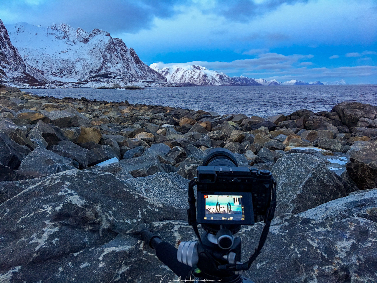 In 2018 I reviewed a Panasonic Lumix DC-GX9 during the Winter at Lofoten trip. I did not had any time to learn about the camera, but I did during the trip. It was far from ideal.