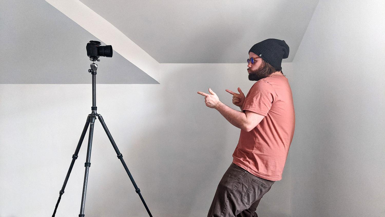 Selfies más nítidas: Vuelva a colocar la cámara sobre el trípode.