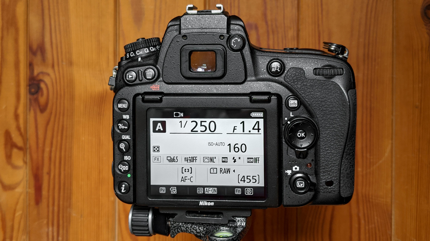 Shoot in aperture priority mode