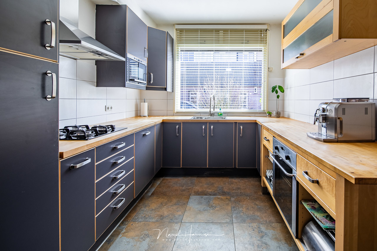 When shooting real estate, you have to be careful when using the shift function for panoramic shots. If there is a foreground close by, you can end up with a parallax error. This shot is just a single one 9Canon EOS 5Dmk4 + TS-E 17mm, ISO400, f/9, bracket