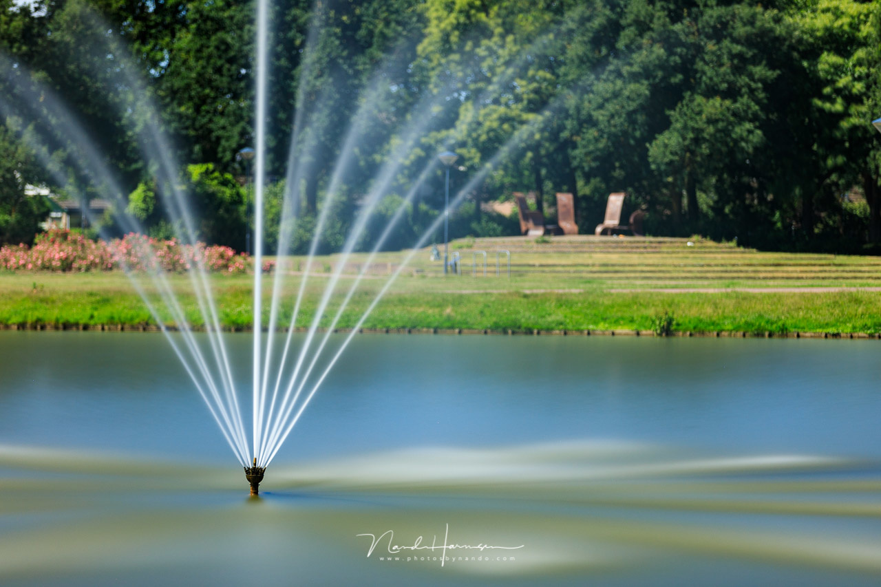 I focussed on the fountain, but the shallow depth of field isn't that obvious in this composition. But if gave an idea of the exposure time you will reach with f/2.8 (Canon EOS 5D4 + Ef70-200mm @ 145mm, ISO200, f/2.8, 325 seconds)