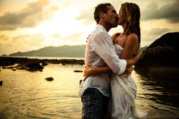 Phuket Kiss by Johann Latsky