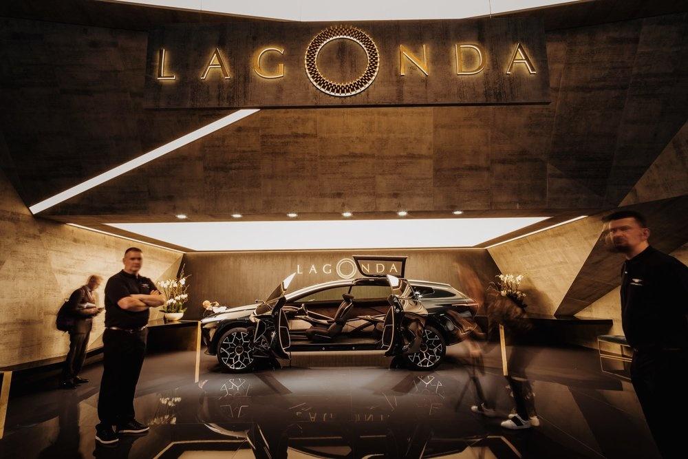 Lagonda by Thom van Esveld