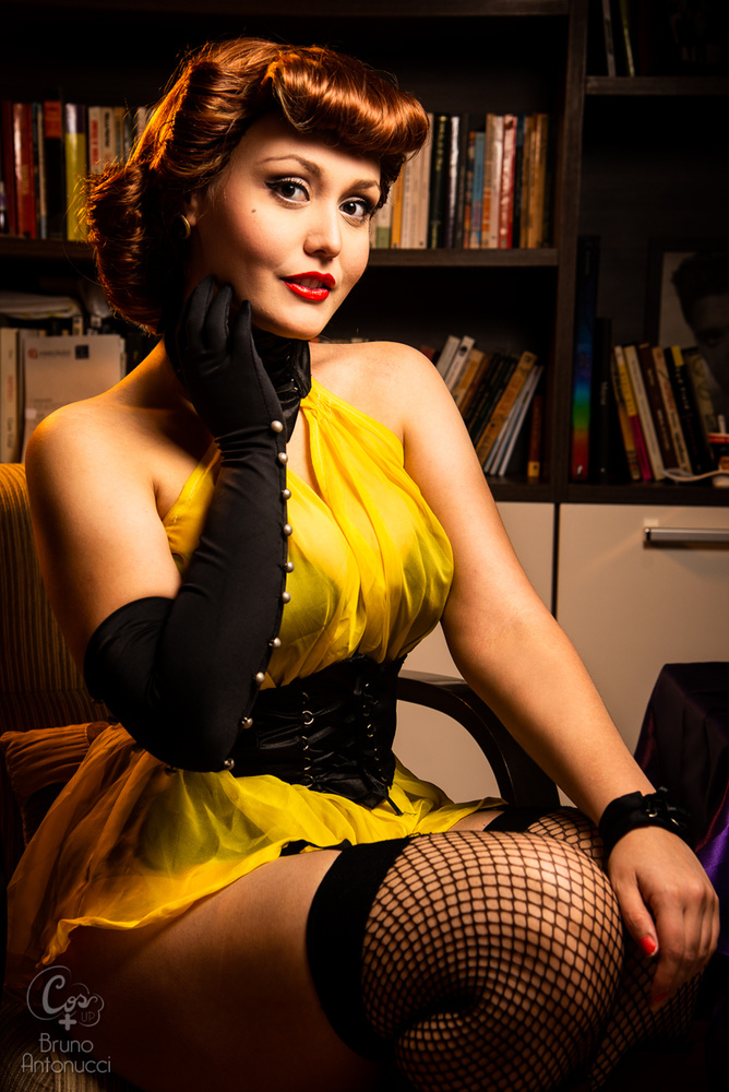 Sally Jupiter - Silk Spectre by Bruno Antonucci