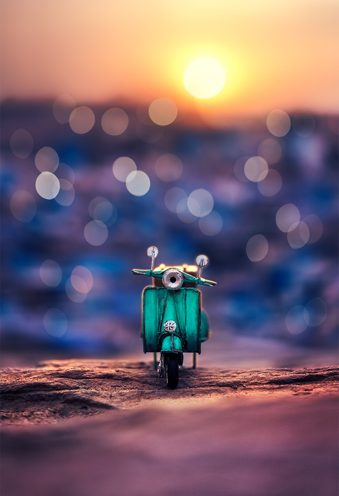 Somewhere in the blue city by Ashraful Arefin