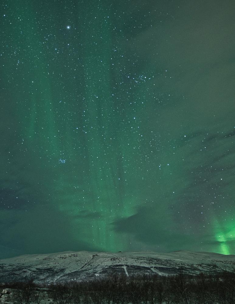 Aurora borealis by Richard Sparks