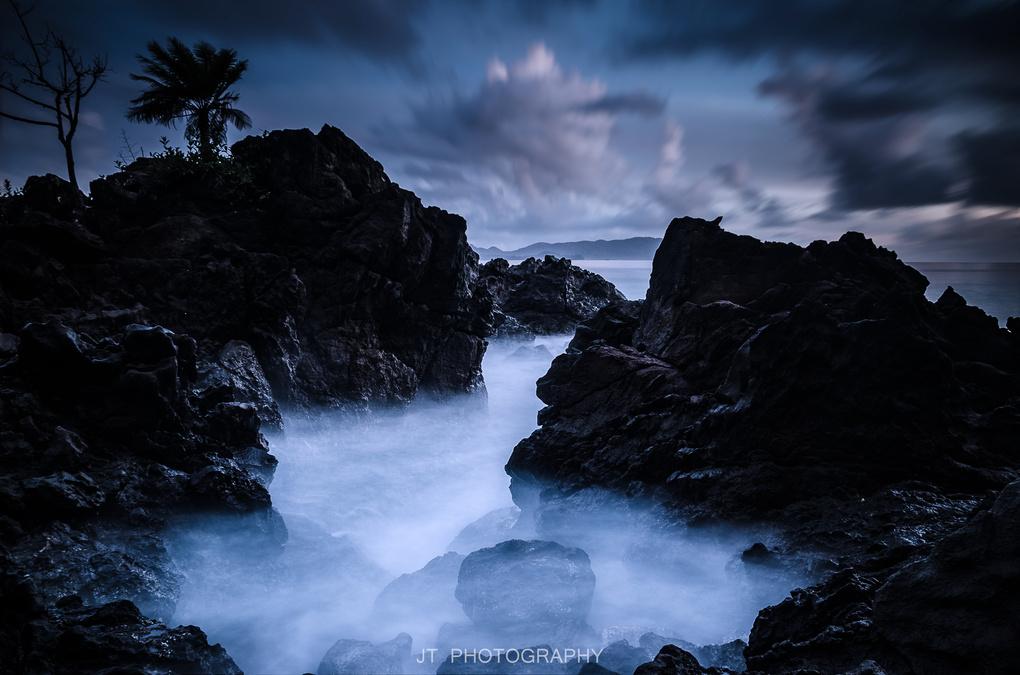 Blue Hour by Jefri Tan