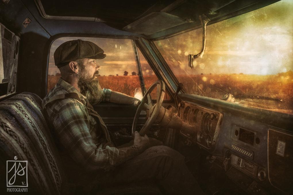 On the road by Juhamatti Vahdersalo