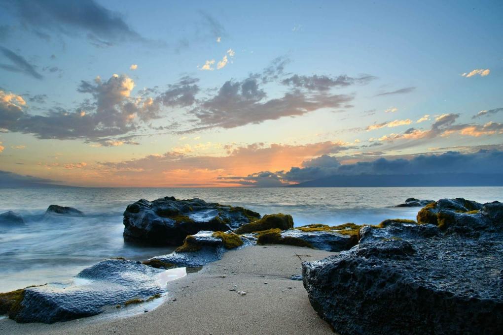Hawaiian sunset by Vladislav Angelov